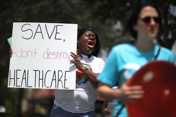"Legal scholars think the new Obamacare lawsuit is ""ludicrous"""