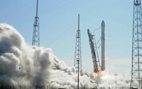 SpaceX Gets Approval to Launch 12,000 Broadband Satellites