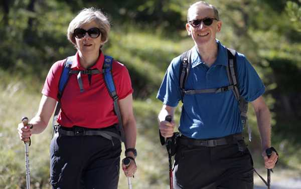 Uh-oh! UK on Election Alert as Theresa May Goes on Walking Holiday in Wales